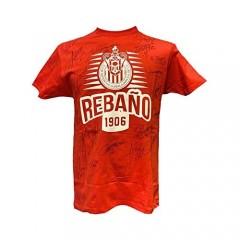 Chivas Guadalajara Soccer red t-Shirt with Autographs – Playera Chivas de Guadalajara con autógrafos de jugadores.
